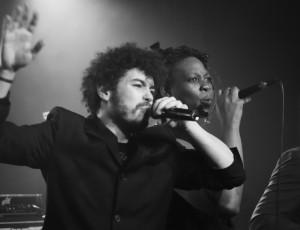 Live / Duo Chant ©Reno Laithienne